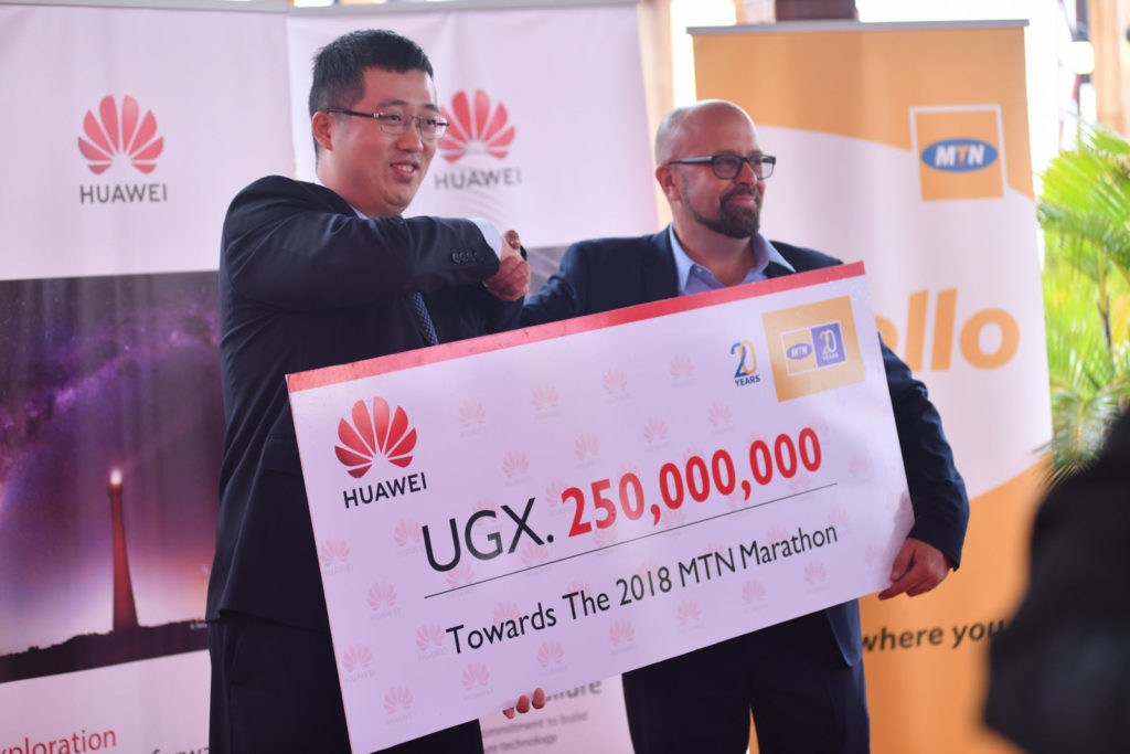 Huawei hands over aUGX 250M cheque for the mtn marathon